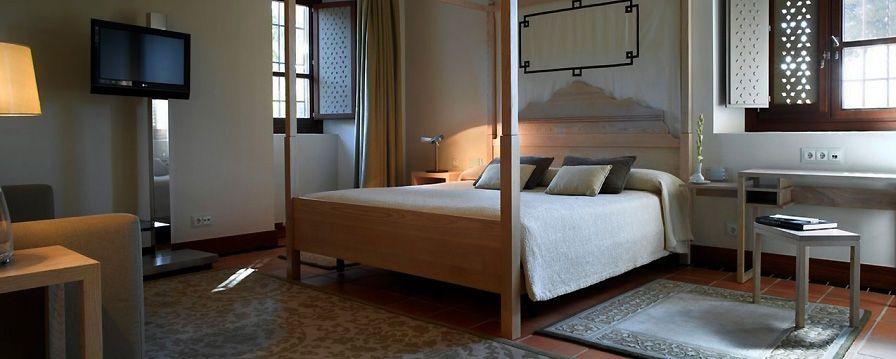 El Parador de Granada está considerado como uno de los mejores hoteles de los Paradores de Turismo de España
