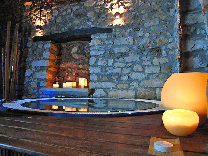 El spa del hotel Los Ánades, en Guadalajara lo concierte en uno de los hoteles románticos perfectos para una escapada en pareja cerca de Madrid
