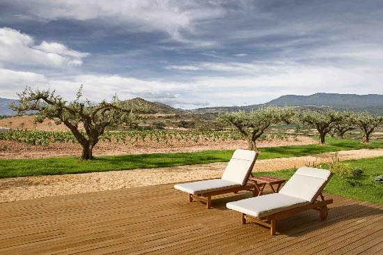 Finca los Arandinos es un hotel romántico en La Rioja con spa y, ¡dentro de una bodega!