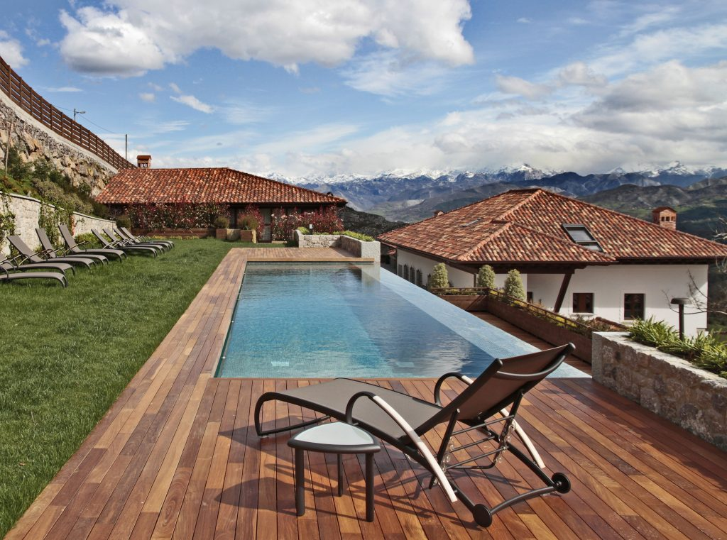 Puebloastur es una ecoaldea wellness resort perfecta para sorprender a tu pareja con una escapada cinco estrellas por Asturias