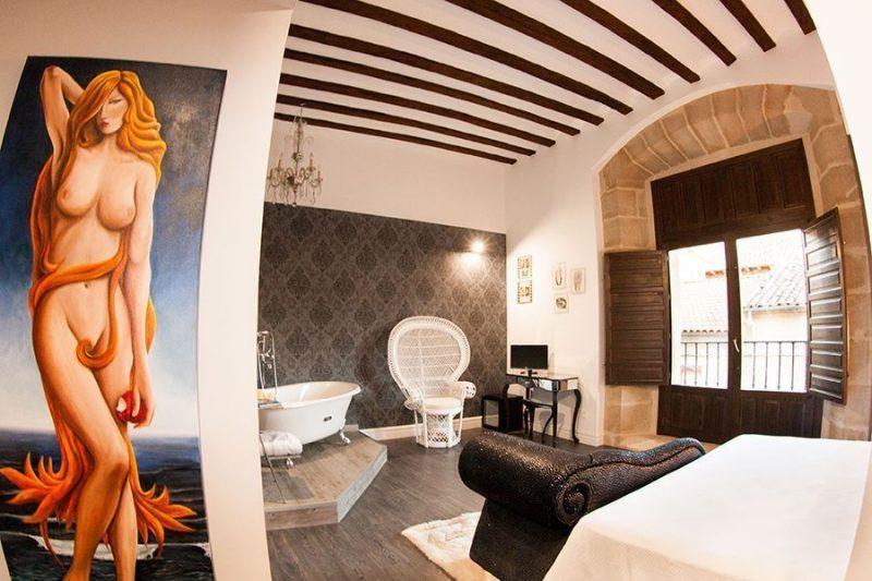 Habitación Nude de la Hospedería Teatrizzo, en La Rioja, uno de los mejores hoteles eróticos de España