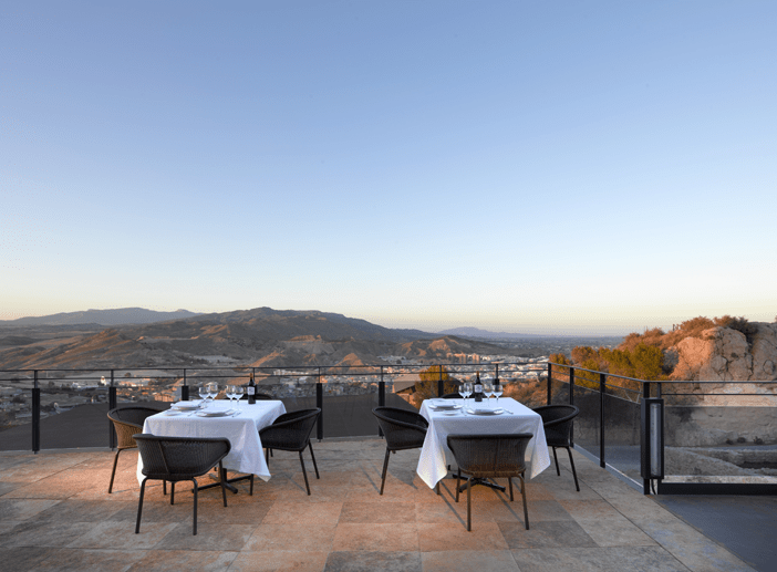 El Parador de Lorca es el mejor hotel en el que pasar unas vacaciones de verano baratas en pareja