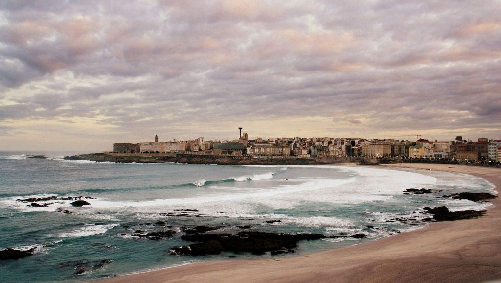 Noche romántica en A Coruña, escapada de fin de semana en pareja a Galicia