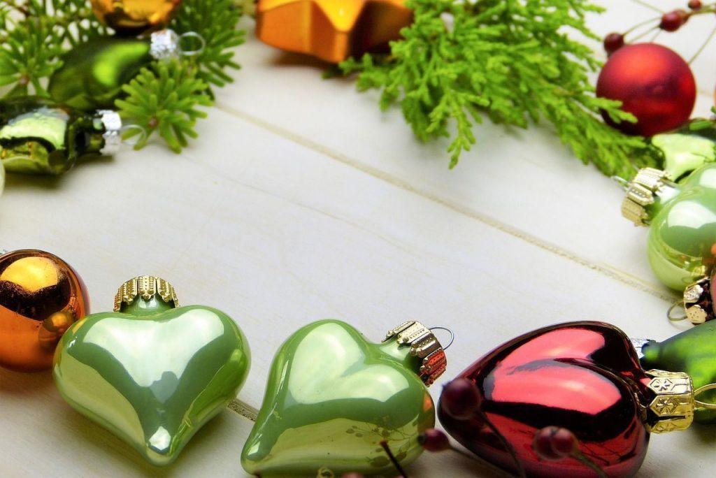 Las luces de Navidad de Madrid pueden servir de excusa para un paseo romántico por sus principales lugares de interés