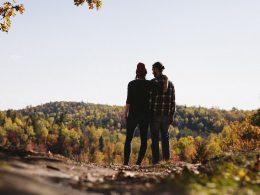 Tres planes románticos para descubrir la Sierra de Madrid y sorprender a tu pareja
