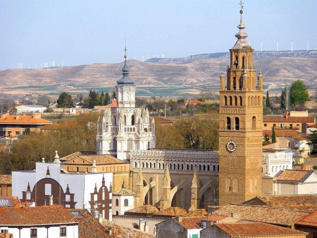 Pueblos con encanto de España para escapadas románticas, Tarazona, con su judería de casas colgadas