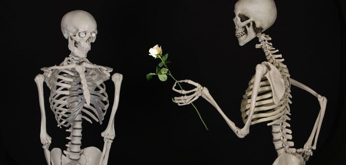Nunca es tarde para volver a enamorar a tu pareja, sobre todo con unos buenos planes en pareja para pasar un día romántico en Madrid