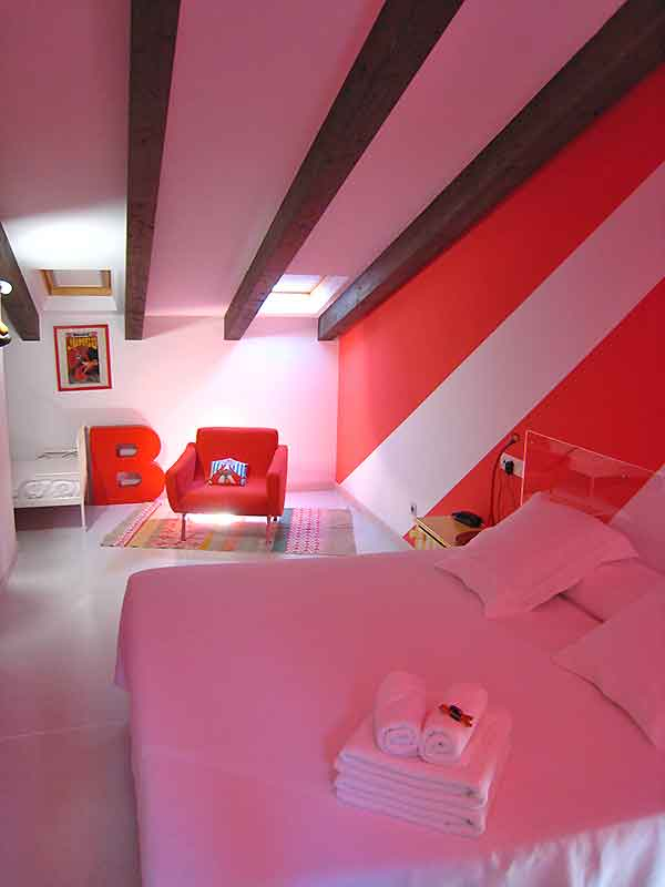 Habitación del hotel Teatrisso uno de los mejores hoteles eróticos de España
